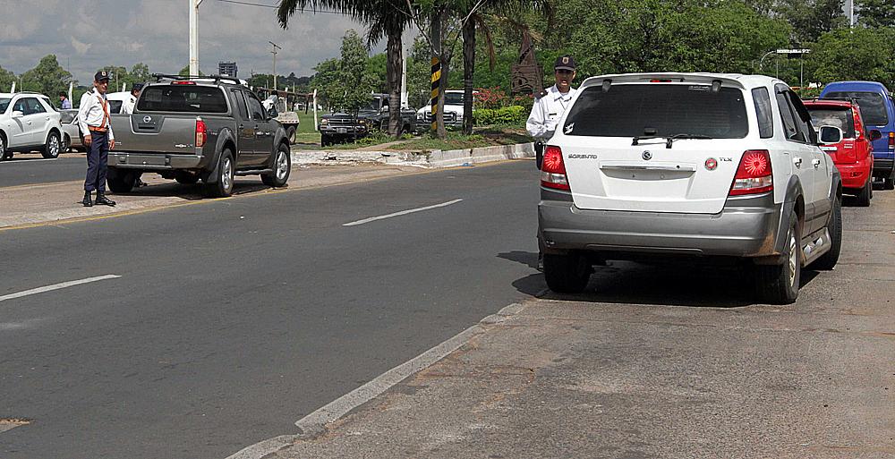 Estacionamiento tarifado en Asunción, recién en julio