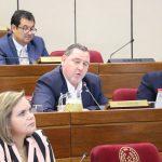 Senado insta a renunciar a Zacarías Irún