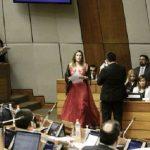 """""""Tenemos una clase política de imbéciles"""", dice Kattya González"""