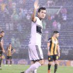 Olimpia golea a Guaraní y se mantiene en la punta